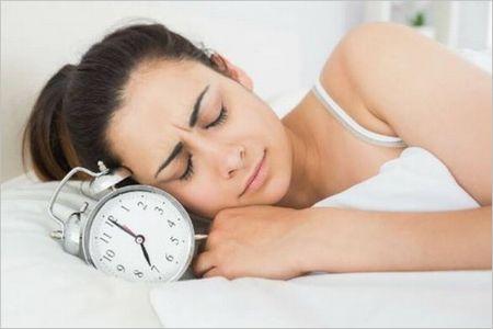 寝る前のリンゴ酢で快眠効果!気を付けることはこちら