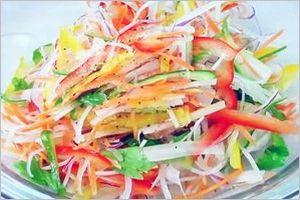 レモン酢ドレッシングのカラフルサラダ